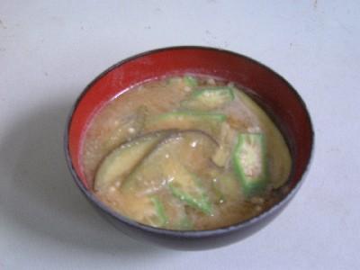 茄子とオクラの味噌汁