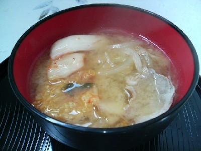 豚キムチの味噌汁