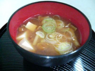 ナメコと豆腐の味噌汁