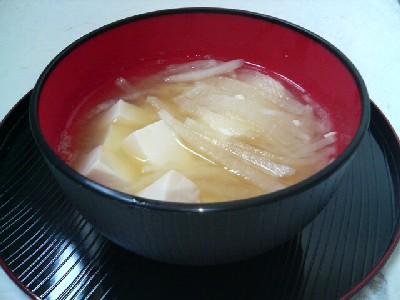 豆腐と大根の味噌汁