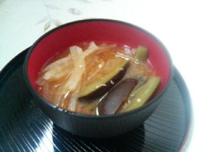 ナスと大根の味噌汁