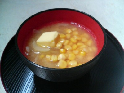 コーンバターの味噌汁