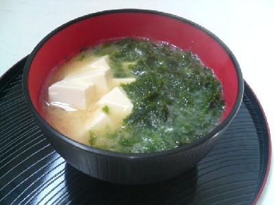 豆腐とあおさの味噌汁