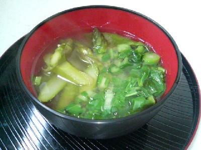 アスパラととう菜の味噌汁