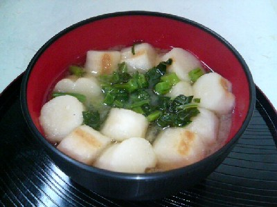 とう菜と麩の味噌汁
